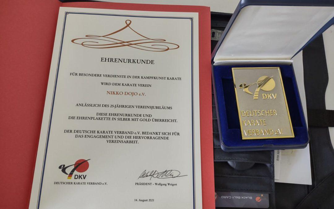 Ehrenplakette in Silber mit Gold